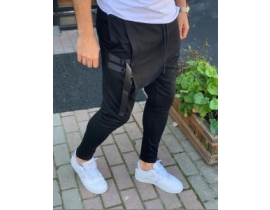 Pantaloni cu tur si catarame negri