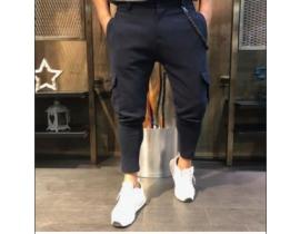 Pantaloni sport cu buzunare aplicate